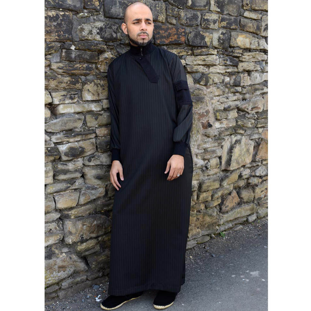 Black Zipped Slide Flap Jubba